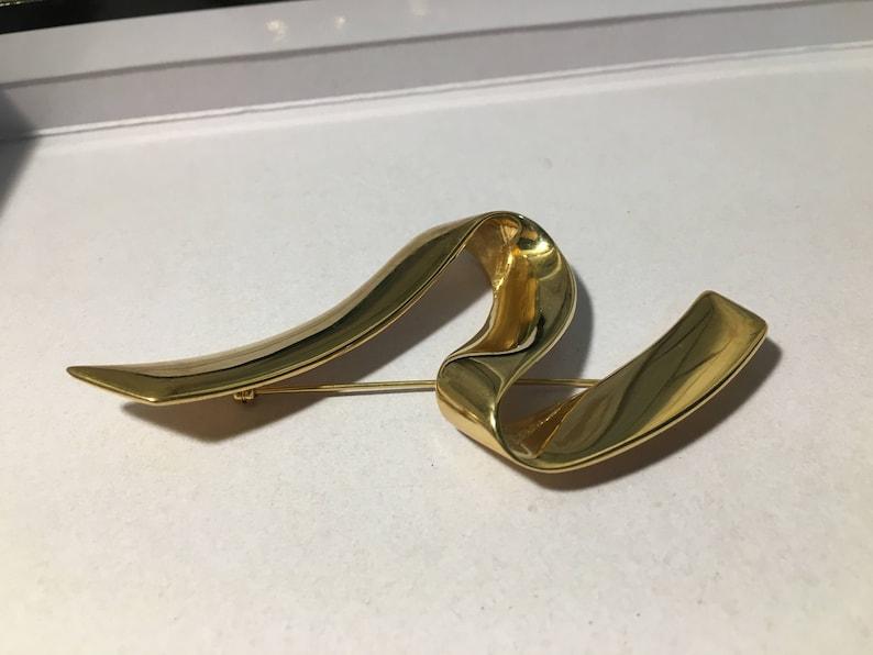 Huge Vintage MONET MODERNIST ABSTRACT Gold Tone Ribbon Pin Brooch 4 Long