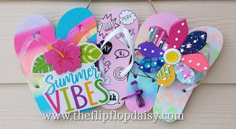 Adorable Summer Vibes Flip Flop Row Wreath Beach image 0