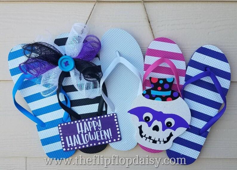 Cute  Happy Halloween  Flip Flop Row Wreath Beach image 0