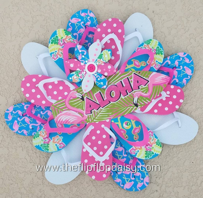 Unique and Beautiful Flamingo Lovers ALOHA Flip Flop Wreath image 0