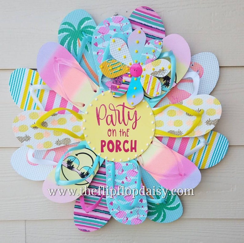 Beautiful Party on the Porch Flip Flop Wreath Door image 0