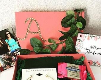 Custom Bridesmaid Proposal Box * Bridesmaid Gift * Maid of Honor Gift * Personalized!!
