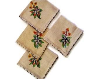 Vintage Linen Napkins Cross Stitch Floral Embroidery Ecru Color Set 0f 4 Handmade Ebroidered Luncheon Napkins Eco Friendly Cloth Napkins