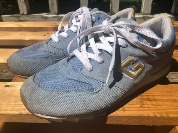 Vintage Guess sneakers (woman's)
