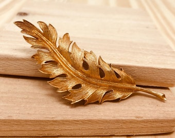 Coro Gold Tone Leaf Brooch (vintage retro 60s 1961 signed autumn fall pin tree large big metal)