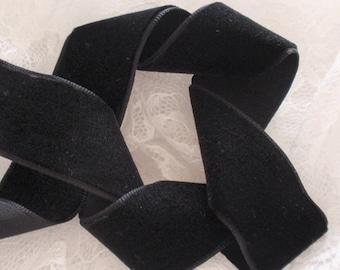 3 Yards Velvet Ribbon in Black (1 inch) Y-003