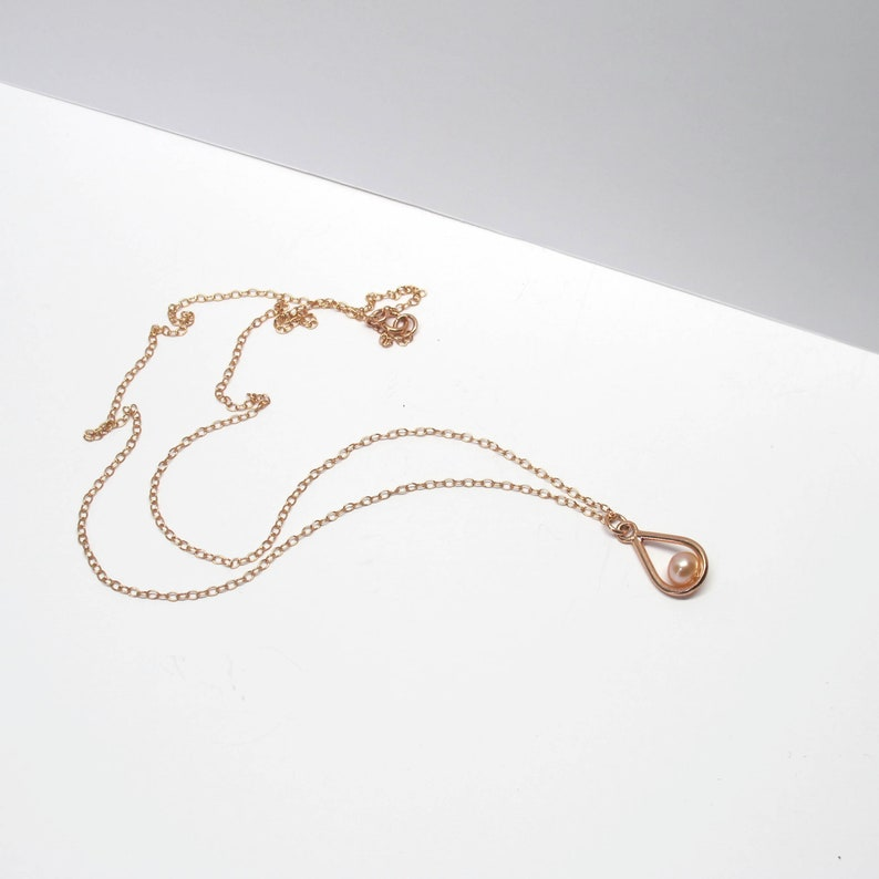Minimalist Rose Gold Freshwater Pearl Pendant Single Pearl Necklace 14k Rose GOLD plated Teardrop PEARL Necklace Rose Gold-filled Chain