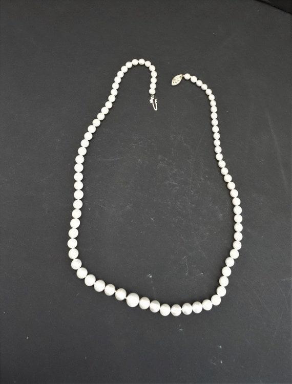 Vintage Faux Pearl Necklace - image 8