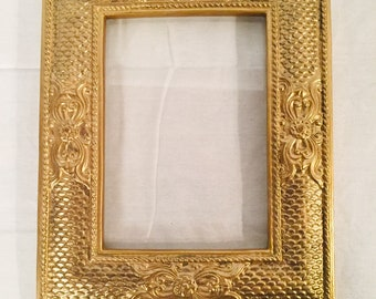 0b5a2c8cee6e Set of Three Vintage Gold Painted Frames - Decorator Frames In Three  Different Sizes Grouping
