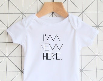 I'm New Here - Newborn Baby Onesie, Unisex Baby Outfit, Coming Home Outfit, Birth Announcement, New Baby, Baby Bodysuit, Baby Boy, Baby Girl
