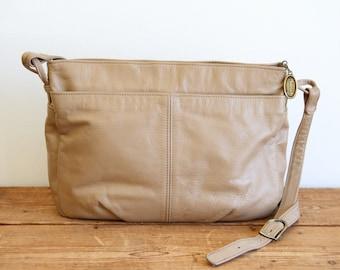 a3e0cf2081 STONE MOUNTAIN Beige Leather Shoulder Bag   Light Tan Stone Mountain Handbag    Vintage Stone Mountain Purse 092918-33