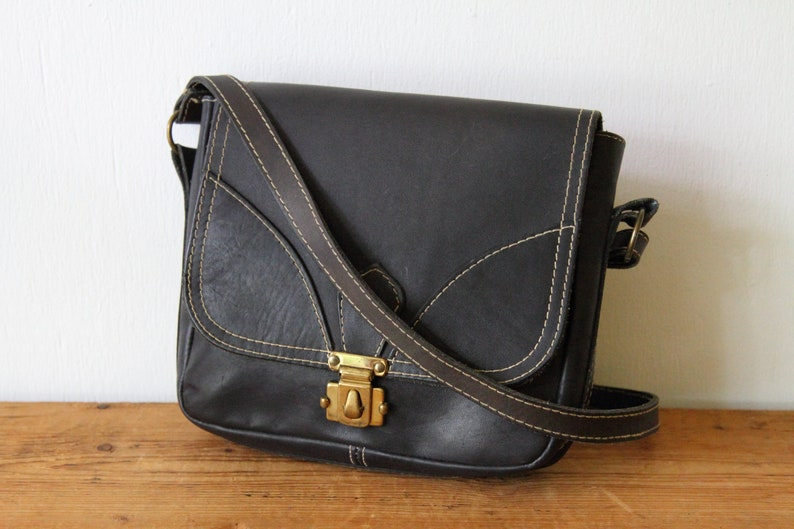 317ffaa298dee Davey's Navy Leather Shoulder Bag / Vintage Boho Leather Handbag / 1970s  Hippie Purse / 060918-25