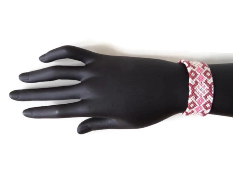 unisex adult macrame bracelet Pink and white tribal friendship bracelet ethnic jewelry tribal pattern 15 cm 5,91 inches