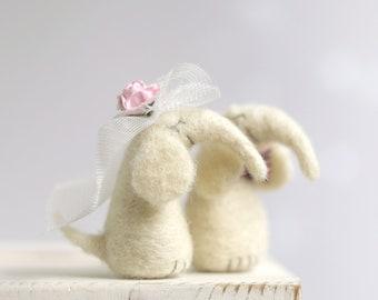 Needle Felted Elephants - Newlyweds Elephants - Art Doll Miniature - Needle Felt Animals - Newlyweds Gift Idea - White - Wool - Cake Topper