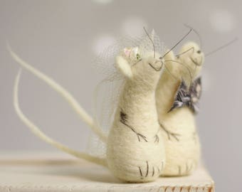 Needle Felted Mice - Needle Felt Mice Family - Art Doll Miniature - Needle Felt Animals - Newlyweds - Newlyweds Gift Idea - White - Wool
