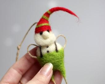 Needle Felted Santa's Elf Ornament - Christmas Elf Ornament - Christmas ornaments - Needle Felted Christmas - Christmas decorations