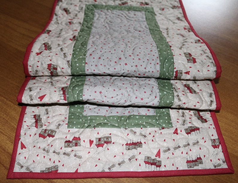 Christmas Table Runner Quilt.Christmas Quilted Table Runner Christmas Table Runner Quilt Whimsical Christmas Decor Christmas Primitive Decor Reindeer Christmas Decor