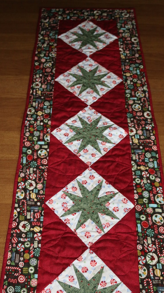 Christmas Table Runner Quilted.Christmas Quilted Table Runner Christmas Table Runner Quilt Christmas Star Table Runner Red Green Holiday Table Runner Christmas Decor