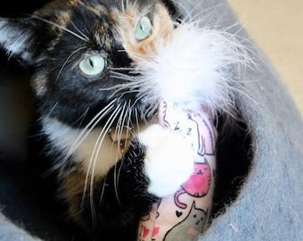 Sleepy Fuzzy Kitties Cat Toy: White Fluff, Organic Catnip, Kicker Toy