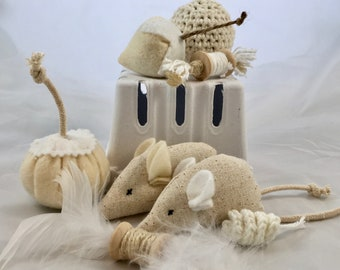 KittenKit: All Natural Gift Set for your Cat, EIGHT eco-friendly cat toys