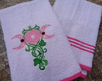 Triple Moon Embroidered Terrycloth Hand Towel in Pink
