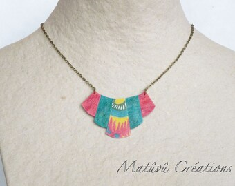Short necklace. Colors red, green Emerald and saffron yellow. Inspiration Mexico.