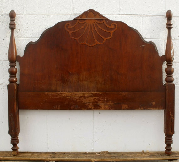Square Leaf design applique medium 130mm W x 130mm H Decorative wooden moulding