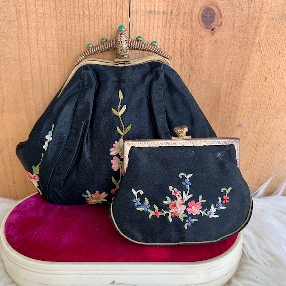 French Victorian exquisitely embroidered purse wit