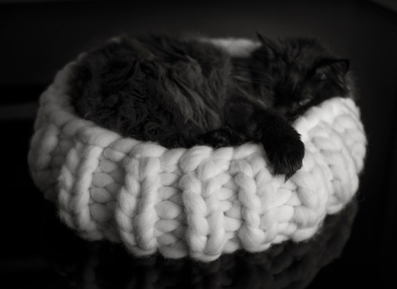 Giant Wool Cat Basket kitty bed