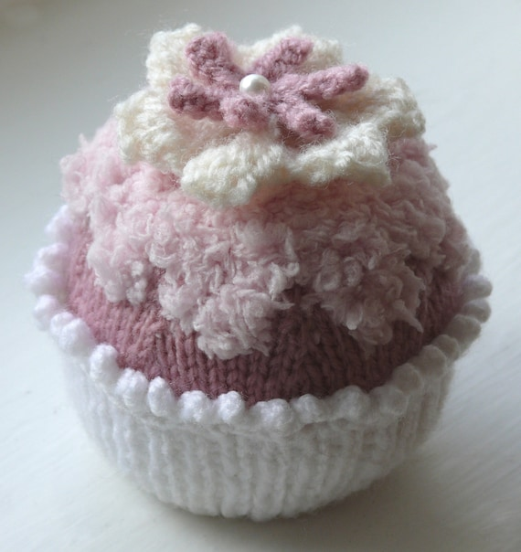 Triple Flower Cupcake Knitting Pattern