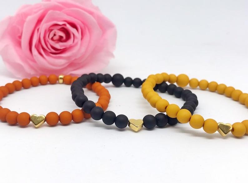 Beaded bracelet acrylic beads heart gold image 0