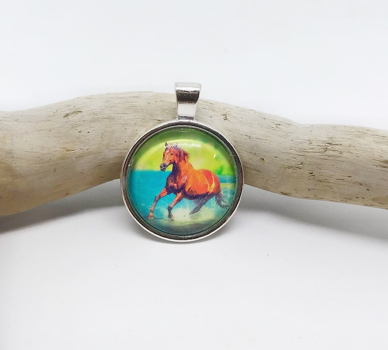 Crystal pendant horse brown image 0