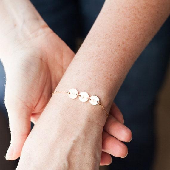 Personalisierte Erste Scheibe Armband Kinder Namen Geschenk Mutter Großmutter Brief Monogramm Goldkette Kinder Initialen Gestempelt Schmuck Armband
