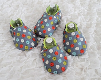 Grey Baby Shoes, Pram Shoes, Gift for Baby, Button Print Shoes, Baby Slippers, Soft Sole Shoes, Age 6 months, Age 12 months, Fabric Shoes