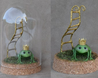 The princely tree frog - cabinet of curiosities - paper sculpture - artdoll - unique piece