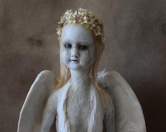 The Apparition - Artdoll - sculpture cabinet of curiosities