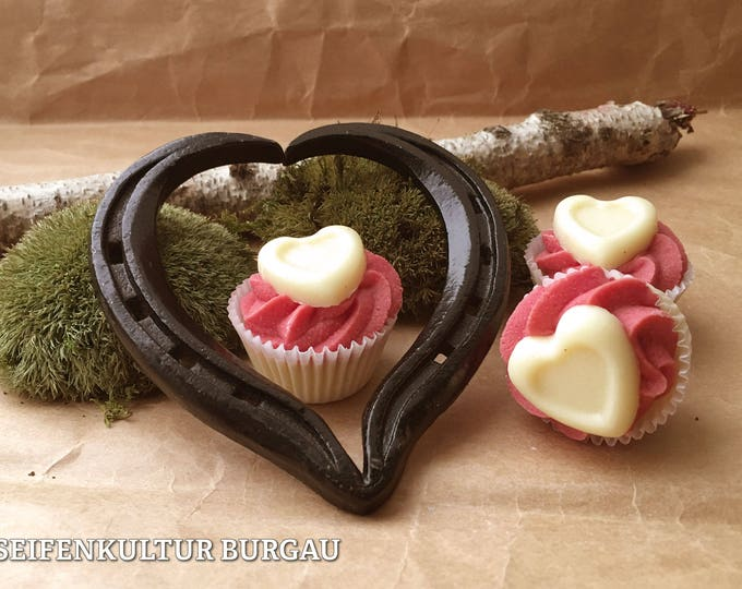 "Bath butter Cupcake ""Cranberry Love"""