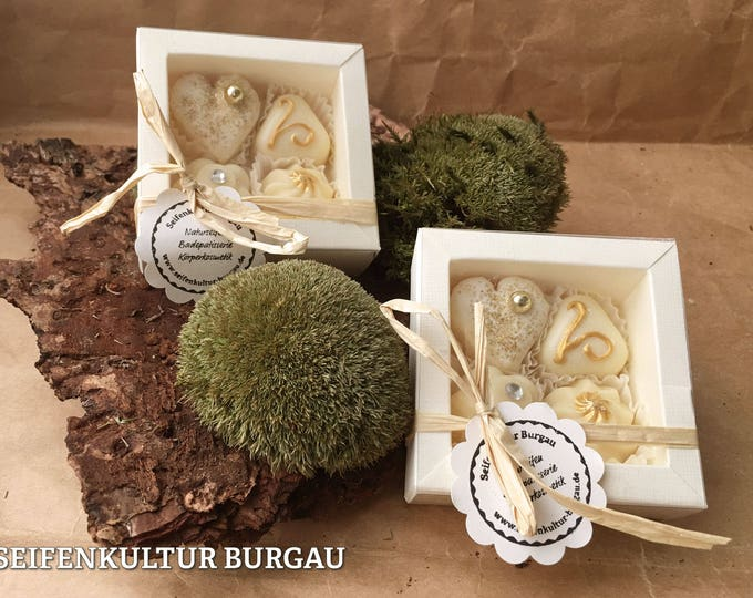"""Set of 4 bath chocolates in gift box """"gold pieces"""""""