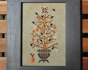 Rustic Halloween Tree! Instant Download PDF Pattern Counted Cross Stitch Design. Pumpkin Ornaments Whimsical X Stitch Counted Embroidery