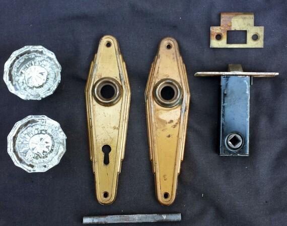 Vintage Antique Art Deco Door Lockset Passage Set Pair Glass Knob Plate Lock
