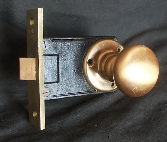 Vintage NOS Cabinet Cupboard Door Window Latch Lock Turn Handle Brass and Steel