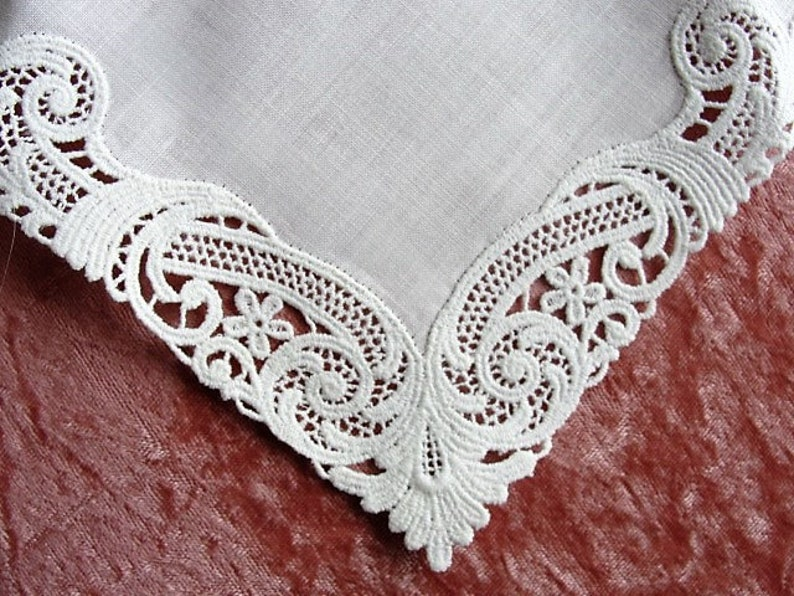Never Used STUNNING Vintage Linen and Swiss Lace Placemats and Napkins Set French Country Cottage Fine Dining,Table Linens Bridal Gift