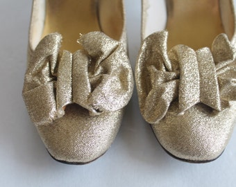 Vintage 60s Mid Century joyce Gold Evening party Shoes Bow Pumps Size 6.5 women's