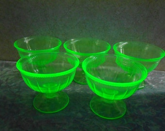 9978fc7e26a7 1930 s Vaseline Depression Glass set of 5 Uranium Sherbet Dishes