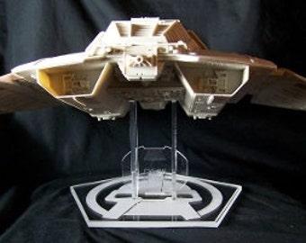 Moebius Cylon Raider stand