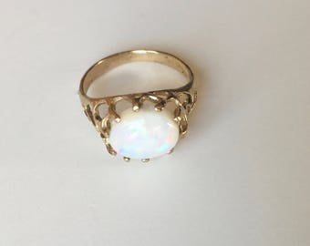 vintage 10k gold and opal ring, size 6