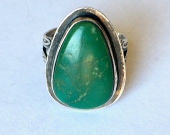 vintage green turquoise arrow ring, size 6.75