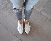 White oxfords, Polly jean