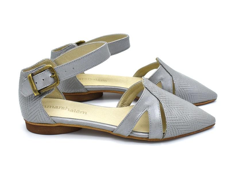72a35cda0c6ec Silver sandals, Vivian summer flats