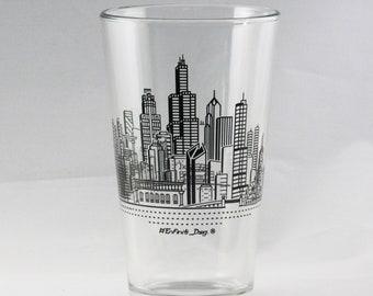 2x Chicago Skyline Pint Glasses, Set of 2